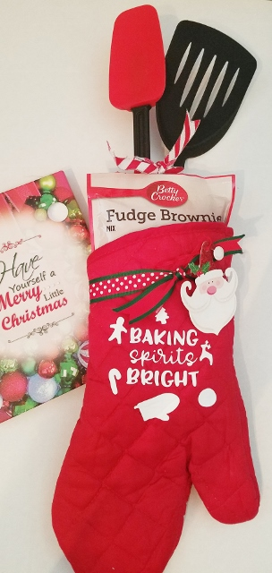 HOLIDAY BAKING TEAM OVEN MITT SETS