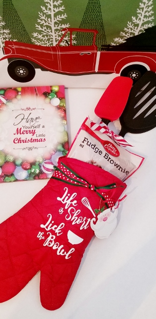 LIFE IS SHORT LICK  THE SPOON OVEN MITT SET