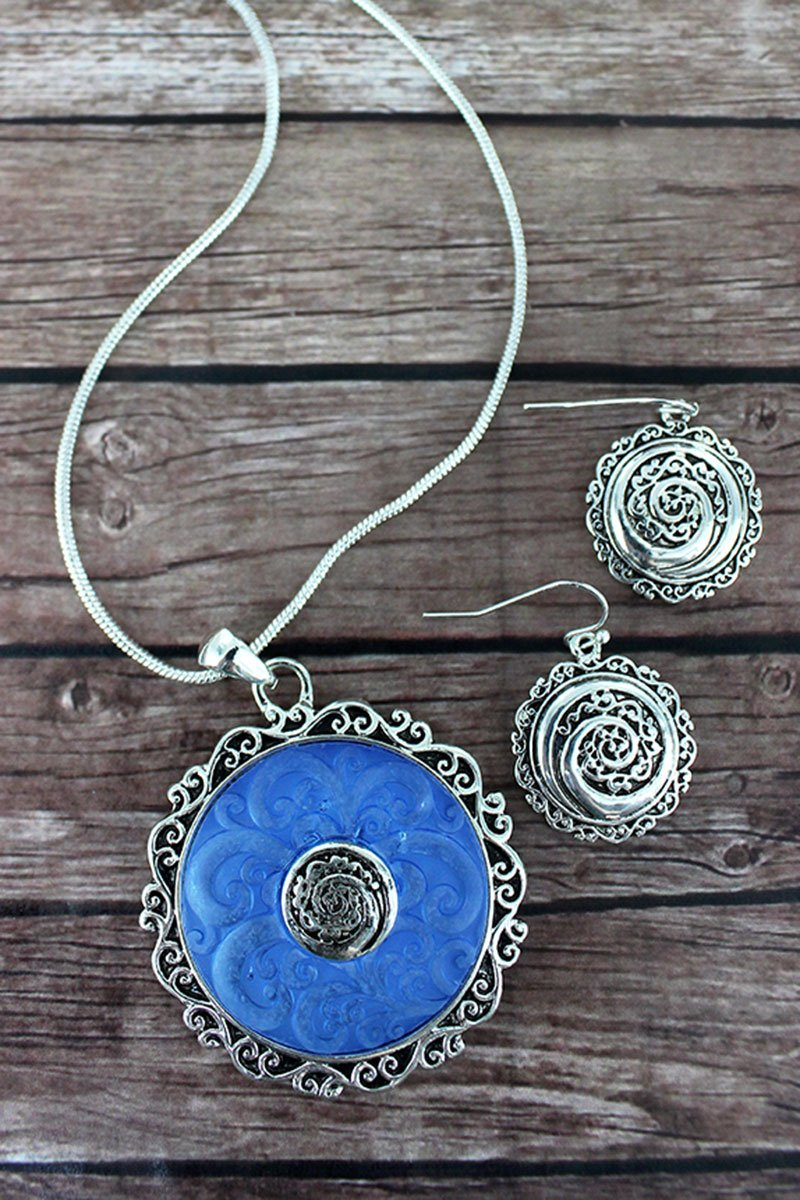 SILVERTONE AND BLUE SCROLL DISK PENDANT NECKLACE AND EARRING SET